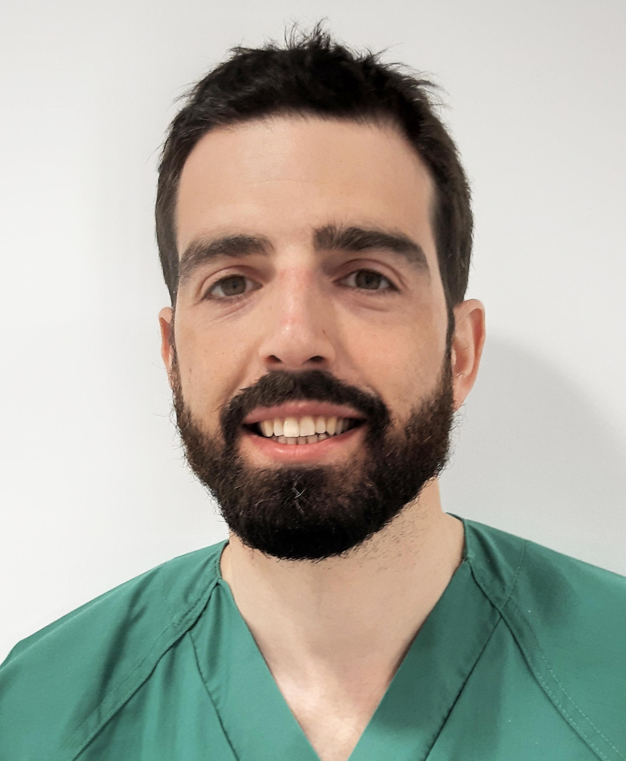 Dr. Fernando Macaya Ten
